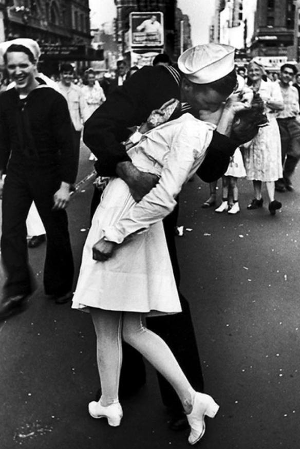 memorialdayweekend-kiss