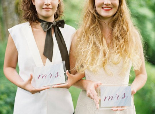 Don't settle when it comes to your wedding stationary! Find the perfect look for YOU. (Photo via Erich McVey Photography via Style Me Pretty)
